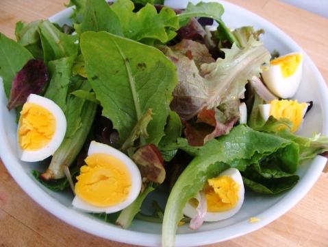 Boiled_egg_greens2